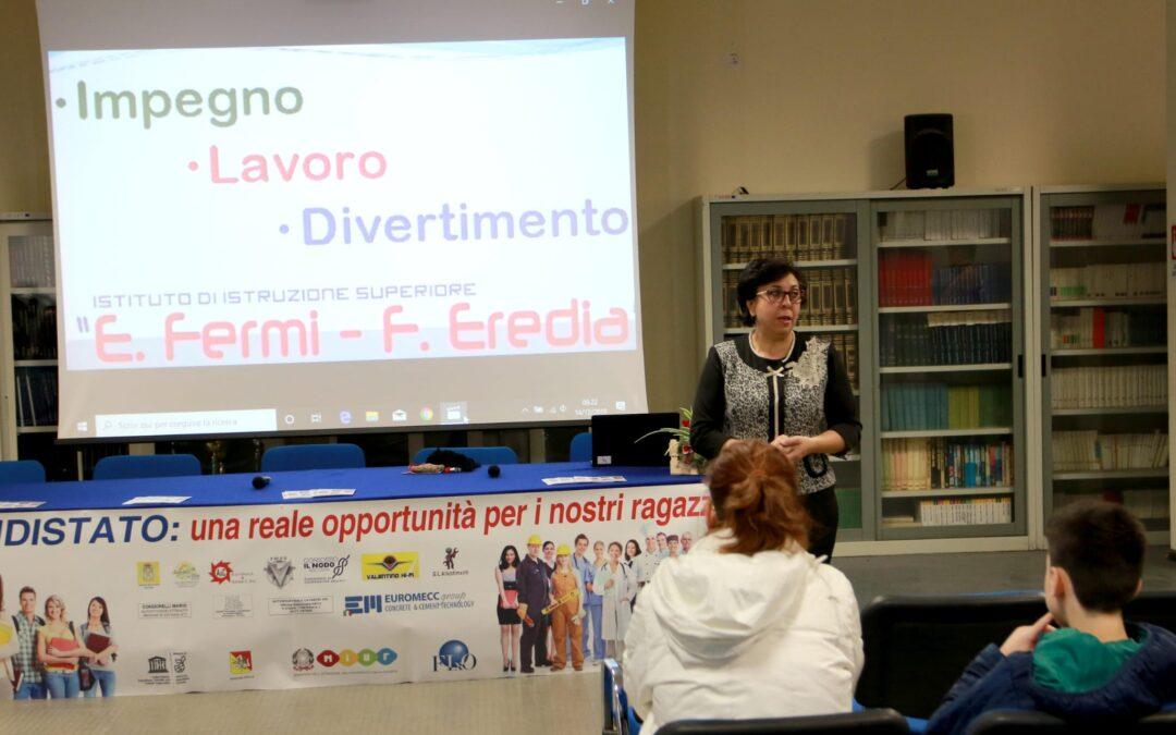 """14/12/19 Open Day all'istituto di istruzione superiore """"E.Fermi-F.Eredia""""di Catania"""